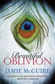 Beautiful Oblivion -  Jamie Mcguire - 9781471133527